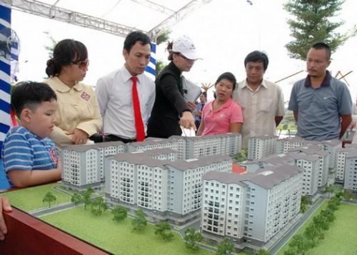 Tâm lý chờ đợi khiến bất động sản khó hồi phục