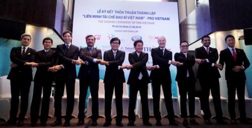 PRO VIETNAM - Liên minh từ 9 công ty hàng đầu trong lĩnh vực hàng tiêu dùng và bao bì với cùng chung mong muốn góp phần vì một Việt Nam xanh, sạch, đẹp